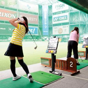 ゴルフ練習場服装